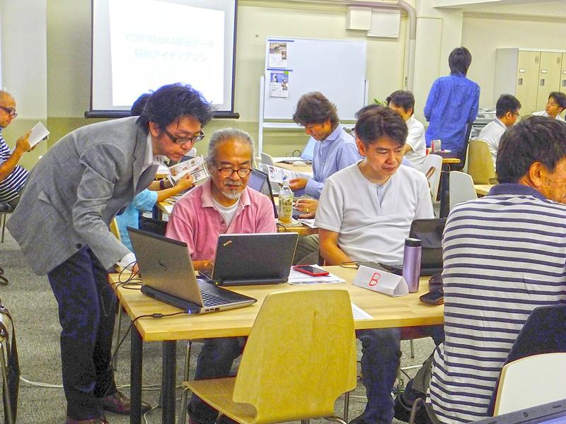 株式会社チェンジ 高橋氏によるBIツール「Tableau」の講習。難しいように見える高度な解析も、参加者のみなさまは少しずつ慣れて扱えるようになりました。
