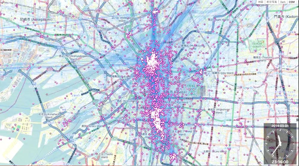 大阪市内でのSNS解析データ可視化事例。点は人の位置、青線は人の移動の軌跡を表現しています。