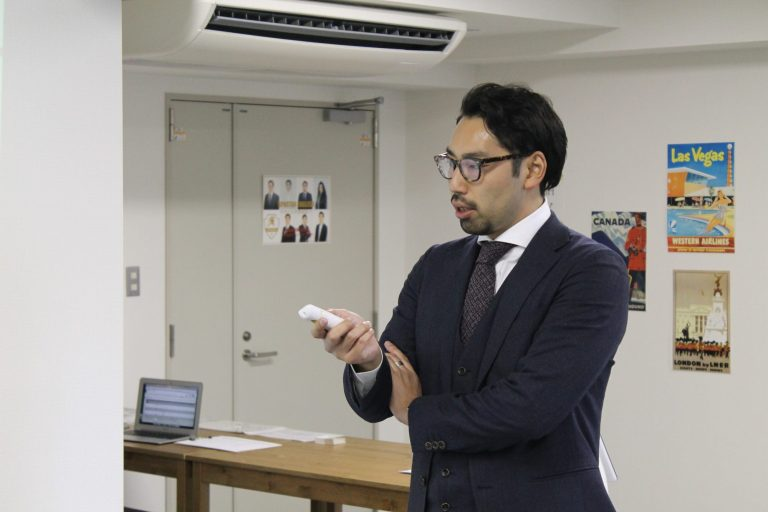 StoryLand代表取締役社長 小倉氏が登壇している様子